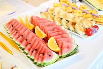 食堂水果甜点